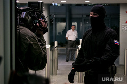 Силовики, обыск. Москва, камера, силовики, обыск, фсб, маски-шоу