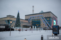 Офис Газпром добыча Ноябрьск, новогодняя елка, газпром ноябрьск