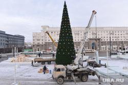 Снежный городок. Елка. Челябинск., елка на площади