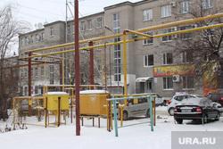 Курган (снег, улицы, газовые трубы), газораспределительный узел