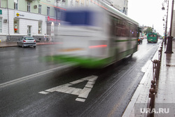 Выделенная полоса для автобусов. Тюмень, выделенная полоса, автобус