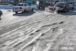 Проблемы уборки дорог от снега  в Кургане , улица гоголя, наледь на дороге
