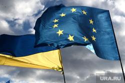 Евромайдан. Киев (Украина), флаг украины, флаг евросоюза