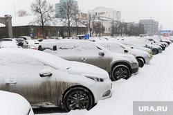 Снегопад. Уборка города. Челябинск., парковка, зима, стоянка, машины в снегу