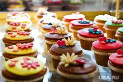 Клипарт. Санкт-Петербург, десерт, пирожное, еда, сладости, капкейк