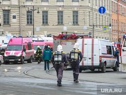 Теракт в Санкт-Петербурге (перезалил). Санкт-Петербург, чп, мчс, чрезвычайное происшествие, пожарные, машины спецслужб