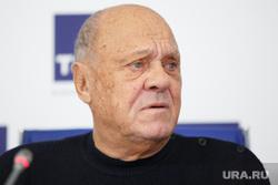 Пресс-конференция к открытию первого Уральского фестиваля российского кино. Екатеринбург, меньшов владимир
