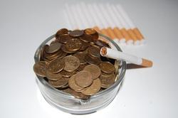 Открытая лицензия 10.06.2015. Деньги., сигареты, монеты, деньги