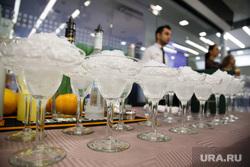 «Новогодний девичник» в Summit Gallery от шоурума Ellada&Kate. Екатеринбург, фуршет, коктейли, бокалы, алкоголь