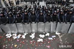 Евромайдан. Киев, беспорядки, беркут, щиты, оцепление, омон