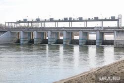 Фоторепортаж с мест подтопления во время паводка. Курган., плотина, паводок2017, река тобол
