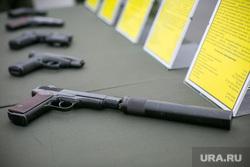 Однодневные сборы парламентариев и прессы в 21 бригаде Росгвардии. Москва, убийство, огнестрельное оружие, пистолет с глушителем