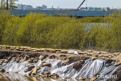 Дамба на реке Тура. Тюмень