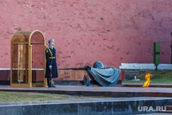 Клипарт. Свердловская область, почетный караул, вечный огонь, могила неизвестного солдата