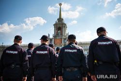 Полиция на Площади 1905 года. Екатеринбург, оцепление, площадь 1905, полиция россии, администрация