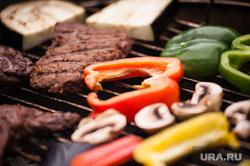 Фестиваль барбекю в парке им. Маяковского. Екатеринбург, овощи, еда, пикник, жарка мяса, гриль, мясо, барбекю