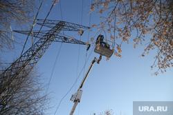 Микрорайон Уралмаш без света. Екатеринбург, лэп, линии электропередач, ремонт, авария, электричество, электромонтер