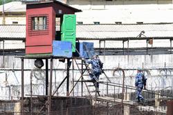 Бунт в исправительной колонии 46. Невьянск, зона, конвой, сотрудники тюрьмы, колония, тюрьма, вышка охраны