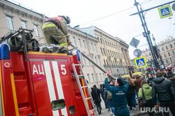 Теракт в Санкт-Петербурге (перезалил). Санкт-Петербург, мчс, чрезвычайное происшествие, чп, пожарные, боевая одежда пожарного, боёвка, теракт