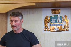 Пресс-конференция Евгения Ройзмана по поводу убийства. Екатеринбург, ройзман евгений, портрет