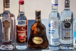 Акция уничтожения паленого алкоголя. контрафакт. Екатеринбург, водка, хеннеси, алкоголь, hennessy, паленка, контрафакт