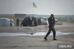 Последствия АТО и украинские блокпосты в Краматорске. Украина, военная техника, украинские войска