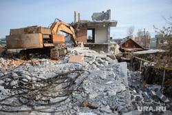 Снесенный дом на Расковой, 44. Екатеринбург, снос дома, руины, незаконная постройка