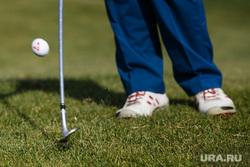 Открытие сезона в гольф-клубе Pine Creek Golf Resort. Екатеринбург, гольф, мячи для гольфа, удар клюшкой, клюшка для гольфа