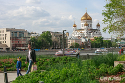 Вокруг очереди к Храму Христа Спасителя. Москва, город москва, храм христа спасителя, хсс, парк музеон