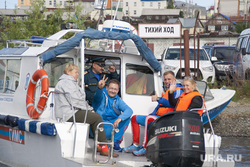 Заплыв Фалька Тишендорфа  через Обь в рамках акции «Переплывая Россию». Салехард, тишендорф фальк, пловец