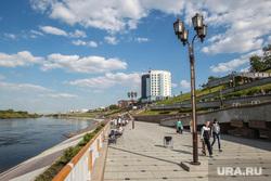 Тюменская набережная реки Туры, город тюмень, набережная туры