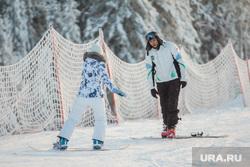 Горнолыжный комплекс «Хвойный Урман». Ханты-Мансийск, горнолыжный комплекс, сноубордисты, инструктор