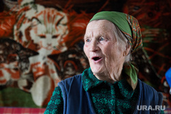 Деревня Сосновка. XMAO, пенсионерка, старушка, бабушка