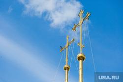 Виды ПГТ Пойковский, церковь, кресты, птица на кресте, православие