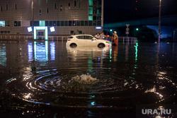 Последствия грозы в Москве. Москва, потоп, дождь, наводнение, коммунальная беда