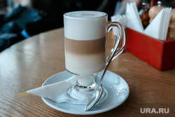Завтраки: Маккерони и Маммас Биг Хаус г. Екатеринбург, кофе, латте