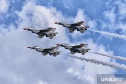 Геи, ЛГБТ, больница, капельница, операционная, маг, волшебник, американский военный самолет, военный самолет сша, истребитель, самолет f-16