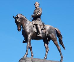 Картинки по запросу Памятник генералу Ли шарлотсвилль