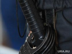 Суд. Убийство Елены Патрушевой. Челябинск., браслеты, дубинка, полиция, наручники
