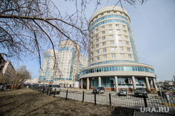 Поездка по придомовым территориям элитных домов. Екатеринбург, элитное жилье, улица николая никонова8, жк де геннин