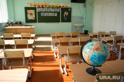 Поездка Евгения Куйвашева в Североуральск: шахта Черемуховская-Глубокая и вручение ключей, учебный класс, глобус, школа, первое сентября, день знаний