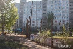 Рабочая поездка в Курган Светланы Калининой, двор дома улица пушкина91