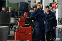 Рабочий визит Евгения Куйвашева в город Артёмовский, рабочие, завод вентпром