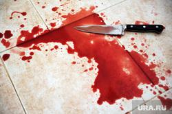 Клипарт depositphotos.com, нож, убийство, нож в крови, кровь на полу, окровавленный нож, капли крови, пятна крови