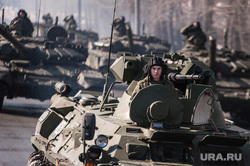 Репетиция парада. Екатеринбург, солдат, бтр, военная техника, танк, танкист