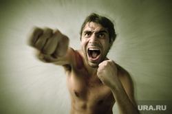 Флаг Украины, борьба, кулак, прослушка , борьба, удар, крик, кулак, агрессия, ненависть, оскал