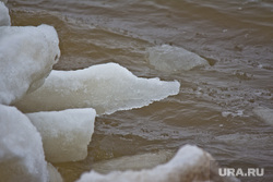 Лед на набережной. Нижневартовск , куски льда