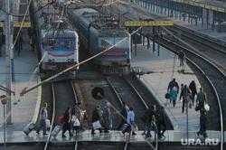 Симферополь. Агитация перед референдумом,, вокзал, поезда, пассажиры, переход через жд