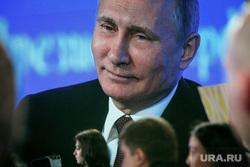 12 ежегодная итоговая пресс-конференция Путина В.В. (перезалил). Москва, путин на экране