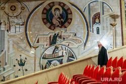 Юбилейный архиерейский собор РПЦ. Москва, священники, рпц, храм христа спасителя, клир, плпы, попы, священнослужители, предстоятели церкви, архиереи, архиерейский собор, христиане, ххс, пресвятая дева мария, богородица, мозаика